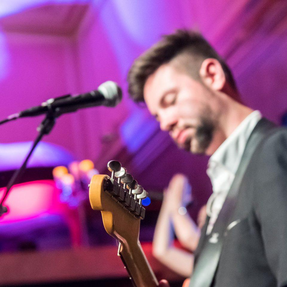 ambiente-band-thomas-rosenkranz-gitarre