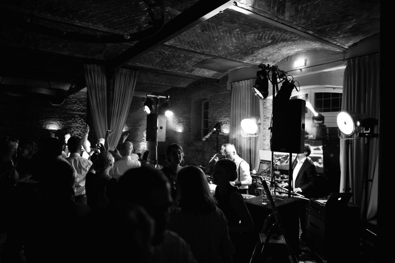 ambiente-hochzeitsband-paderborn-partymusik-black