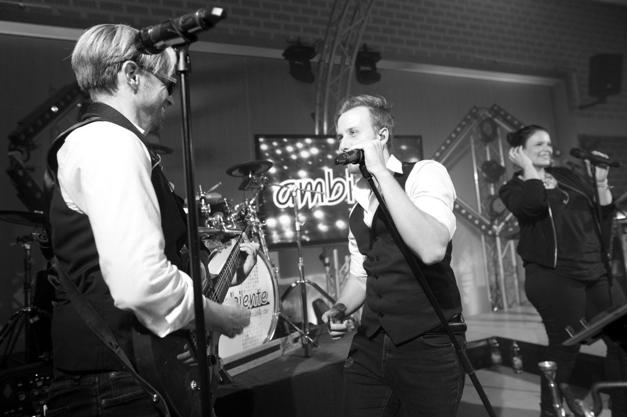 ambiente-partyband-gitarre-black